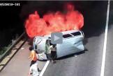 Ô tô bốc cháy dữ dội, tài xế xe tải đạp vỡ kính cứu 3 người thoát chết