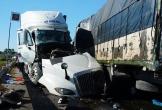 Hà Tĩnh: Xe tải đối đầu xe container, 1 người chết, 2 người bị thương