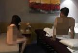 Bắt quả tang nữ nhân viên massage khoả thân kích dục cho khách