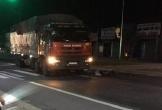 Hà Tĩnh: Một phụ nữ bị xe tải cán tử vong khi đạp xe qua đường