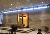 Video mái nhà thờ rơi xuống đầu linh mục trong vụ nổ tại Li Băng