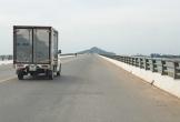 Vì sao cây cầu dài nhất Bắc Trung Bộ 6 năm chưa có đèn điện chiếu sáng?