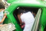 """Nam tài xế giúp sản phụ """"vượt cạn"""" thành công ngay trên xe taxi"""
