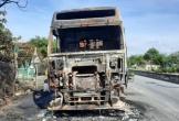Hà Tĩnh: Xe đầu kéo bốc cháy dữ dội khi đang lưu thông trên QL 1A