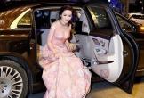 Bóc giá xế hộp Mercedes Maybach S600 của Hoa hậu