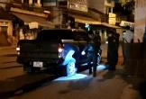 'Tây' cầm lái xe bán tải tông 3 xe máy, hất một phụ nữ xuống kênh