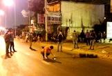 Thi thể nam thanh niên nằm bên lề đường