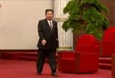 Ông Kim Jong-un gây chú ý với vẻ ngoài khác lạ