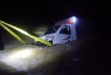 Xe tải bị cuốn trôi, 2 vợ chồng mất tích