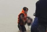 Hiện trường tìm thấy thi thể bé trai 8 tuổi dưới sông sau 2 ngày mất tích khi chơi bóng cùng bạn ở Nghệ An