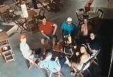 Chồng tụ tập chè chén, vợ ghen tuông tìm đến tận quán bar bắn chết cô gái ngồi cạnh anh này