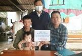 Trao hơn 20 triệu đồng cho gia đình bé gái bị bệnh tim bẩm sinh ở Hà Tĩnh