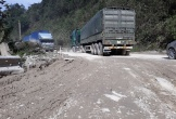 """Hà Tĩnh: """"Nát tươm"""" đường lên cửa khẩu Quốc tế Cầu Treo"""