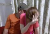 Nhân viên khỏa thân tắm chung khi mua vé 'Super Vip'