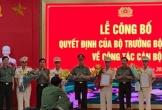 Ông Võ Trọng Hải trao các quyết định bổ nhiệm cán bộ Công an tỉnh Nghệ An