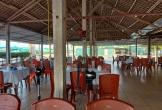 Nhà hàng hải sản ven biển Hà Tĩnh vắng hoe vì dịch COVID-19