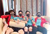 Hot boy tuyển Việt Nam bị mất điện thoại, Tiến Linh và Văn Toàn khoe ảnh ở nơi cách ly
