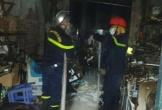 Quán photocopy bốc cháy, cảnh sát cứu thoát 5 người mắc kẹt đang hoảng loạn Văn Huế