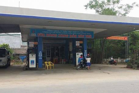Cửa hàng xăng dầu Cầu Trù nơi người dân phản ánh
