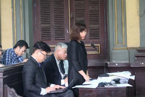 Đại diện Grab trình bày trong phiên tòa ngày 26-12