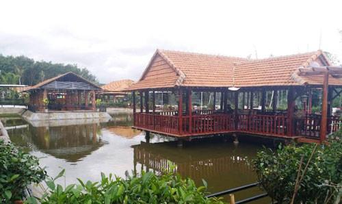 Cụm nhà - vườn của bà Lê Thị Hồng Tha